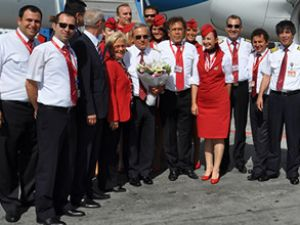 Ahmet Ata Kaptan son uçuşunu yaptı