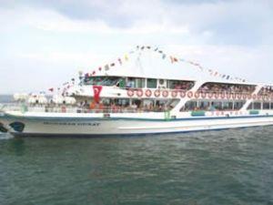 Bayramda Midilli'ye günlük feribot seferi