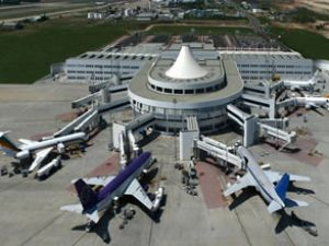 Antalya Havalimanı'nda yüzler güldü