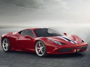 Otomobil Fuarı'nda Ferrari rüzgarı esti