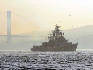 Rus gemisi Smetlivy Boğaz'dan geçti