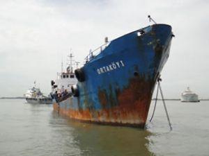 Bankalar, borcu azalmış gemileri satacak
