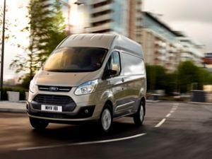 Ford Transit Custom ailesine yeni üye