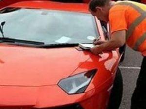 Sahipsiz kalan otomobili polis sattı