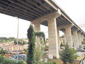 B.Köprüsü yolunda korkutan manzara