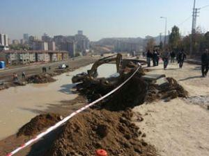 Ankara'da tartışmarın nedeni yol çöktü