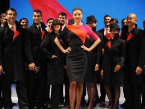Qantas hosteslerinin Miranda Kerr isyanı