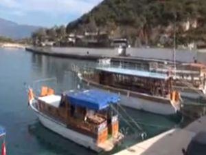 Antalya Demre'de yatlar nöbet tutuyor