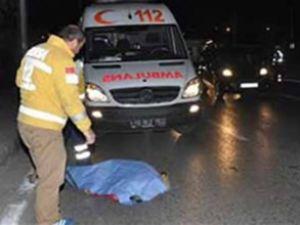 Bursa'da otomobil direğe çarptı