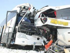 Muş'ta iki yolcu otobüsü çarpıştı
