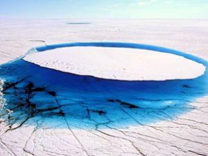 Grönland tam 100 milyar ton su saklıyor