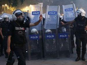 Metroda eylemcilere polis müdahalesi