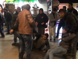Metroda dayak protestosuna gözaltı