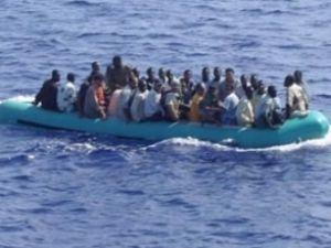 İtalyan donanması kaçakları kurtardı