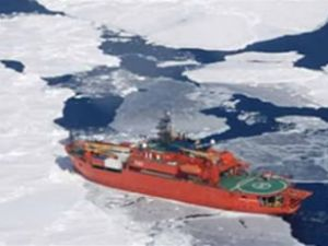 Antartika'da 'Buz Ejderhası' da mahsur