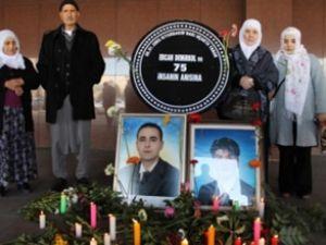 Diyarbakır'da uçak kazasında ölenler anıldı