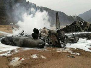 Güney Afrika'da uçak düştü: 3 ölü