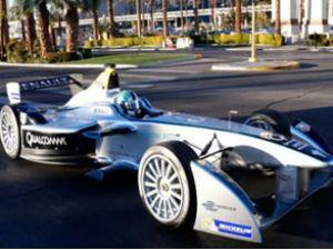 Spark-Renault otomobilseverlerle buluştu