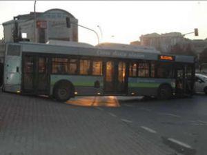 Kocaeli'de otobüs mahsur kaldı