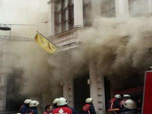 Beyoğlu Rixos Pera Oteli'nde yangın çıktı