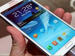 Samsung'un ismi bilinmeyen telefonu