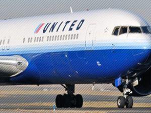 United Havayolları uçağını hemşire indirdi