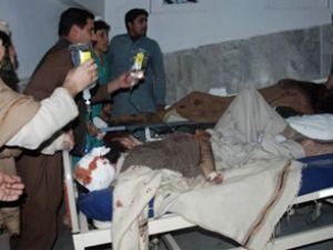 Pakistan'da yolcu treninde patlama
