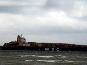 Karaya oturan konteyner gemisi kurtarıldı