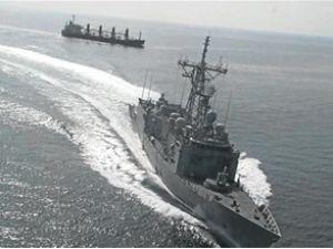 TCG Giresun'dan Norveç gemisine uyarı