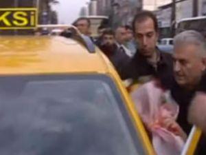 Binali Yıldırım, İzmir'de taksi şoförü oldu