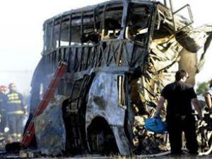Arjantin'de kamyon otobüse çarptı: 18 ölü