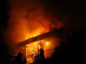 Medine'de otel yangını: 17 ölü, 130 yaralı
