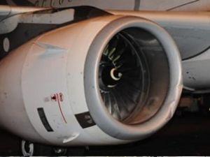 Kayan THY uçağı güç ünitesine çarptı