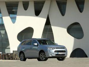 Mitsubishi lansmanı Barselona'da yapıldı