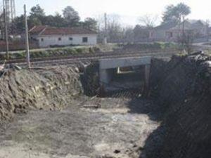 YHT projesi alt geçit inşaatları sürüyor