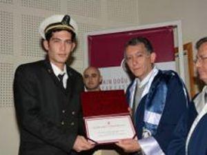 Denizcilik Fakültesi'nde Diploma Töreni
