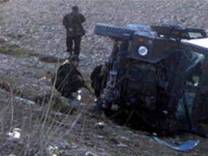 Siirt'te askeri araç devrildi: 4 yaralı