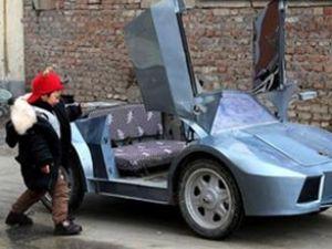 Çinli çiftçi, torununa Lamborghini yaptı