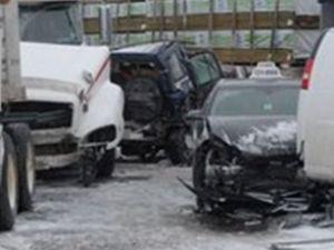 Kanada'da zincirleme trafik kazası