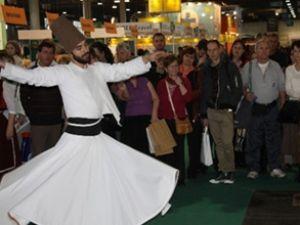 Budapeşte'de Türk standına Macar akını