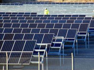 İzmir'de güneş enerjisiyle otomobil şarjı