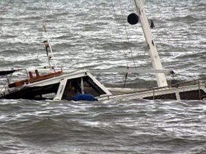 Akdeniz'de kaçak göçmen teknesi battı