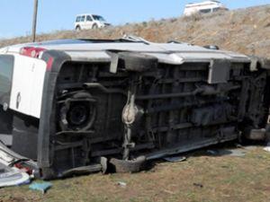 Diyarbakır'da otobüs şarampole yuvarlandı
