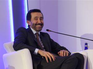 Avea CEO'su Akdemir, Zirve'de konuştu