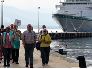'Ms Albatros', Alanya Limanı'na yanaştı