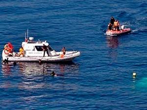 Ege Denizi'nde kaçakların bulunduğu tekne battı