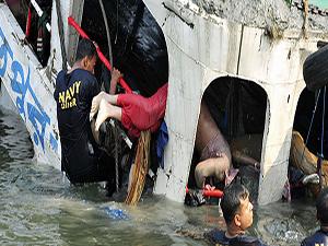 Bangladeş'te 200 kişilik feribot battı