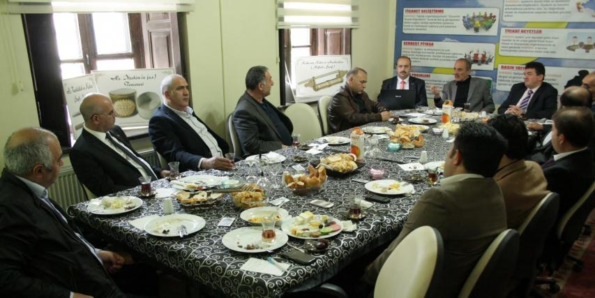 Kars'ta lojistik merkezi ve serbest bölge konuşuldu