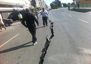 Marmaray inşaatında yol yarıldı