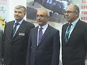 Ulaştırma, Denizcilik ve Haberleşme Bakanı Lütfi Elvan ILA stantlarını gezdi